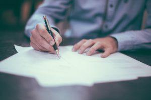 Fornecedor de casamento: Fique de olho nos contratos