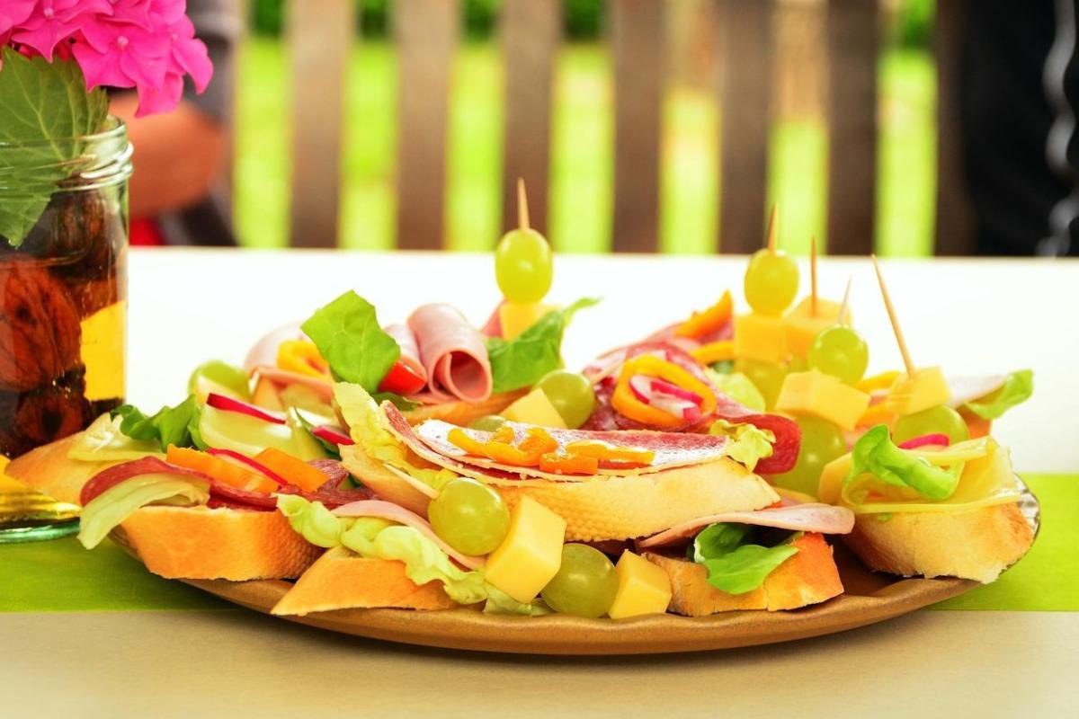 Finger Food no casamento: conheça essa tendência deliciosa!